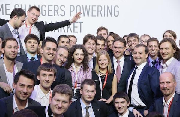 Встреча премьер-министра РФ Д.Медведева с участниками международного проекта 100