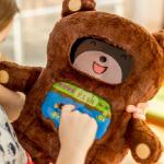 DiDi  — плюшевый медведь-учитель с встроенным iPad