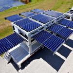 Мобильная солнечная электростанция перемещается обычным грузовиком