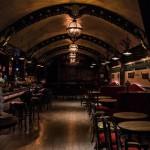 Подземный бар для любителей джина