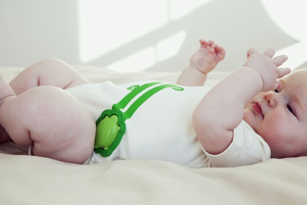 the-onesie-will-send-alerts-and-a-nightly-report-about-your-babys-sleep-to-an-app-on-your-smartphone-it-costs-195