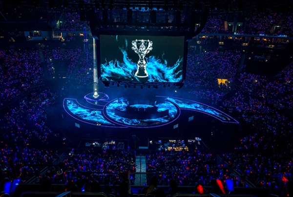 20151124232813-league-of-legends-esports