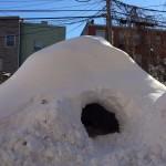 Житель Нью-Йорка сдает снежную пещеру за 200 долларов на Airbnb