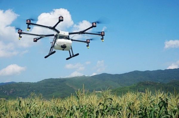 Chinas-DJI-launches-a-crop-spraying-drone-for-farmers-photo-1-720x478
