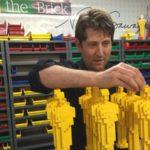 Адвокат, ставший художником Lego