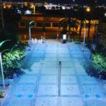 Уличная подсветка, включающаяся шагом